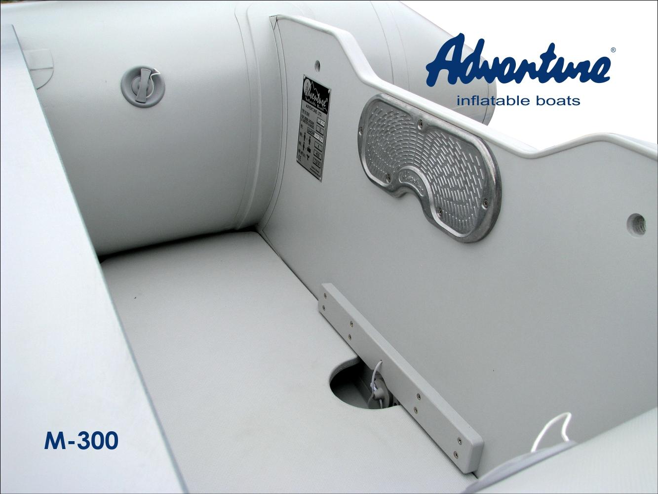 Nafukovací motorový člun Adventure M-300 nabízí v rámci své třídy ten nejvyšší standard kvality