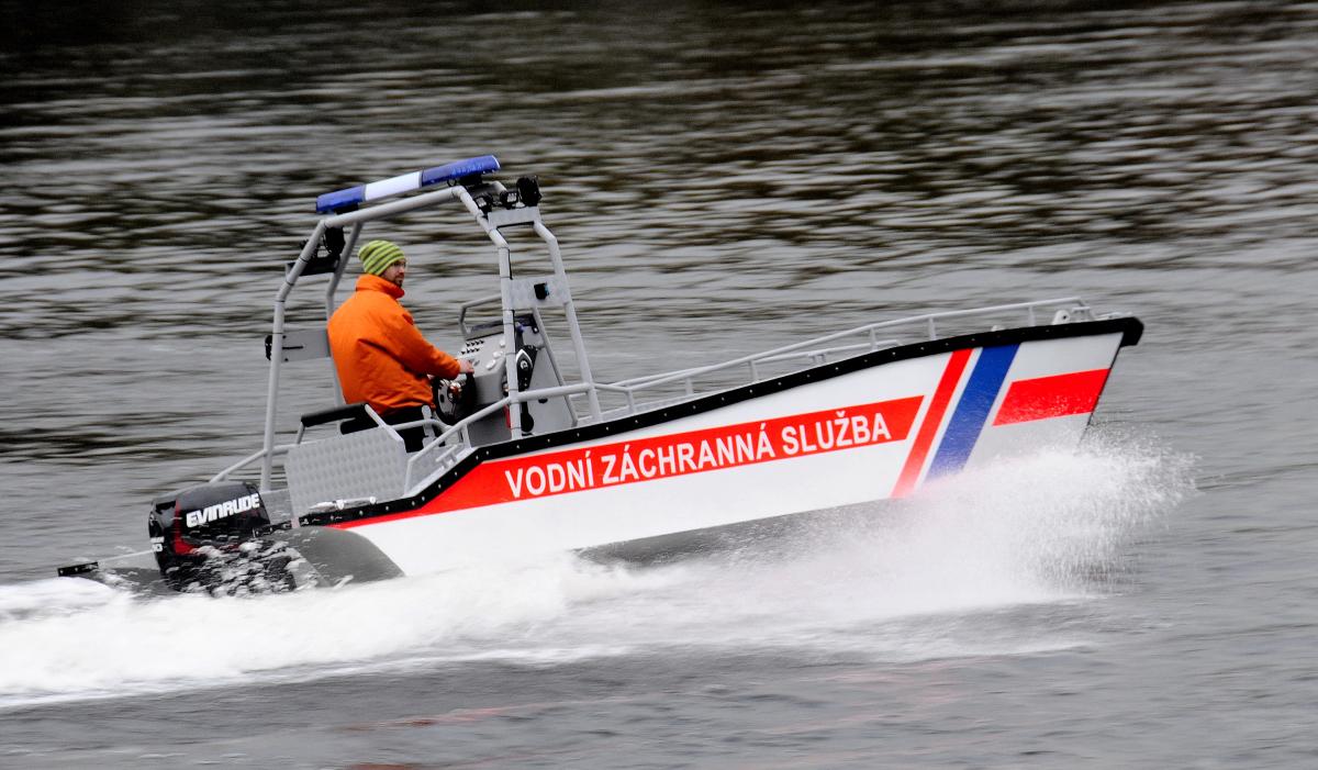 Pracovní hliníkový motorový člun SCHELKALIN MOTORBOAT S600-MULTI s výklopnou přídí, zakázková výroba