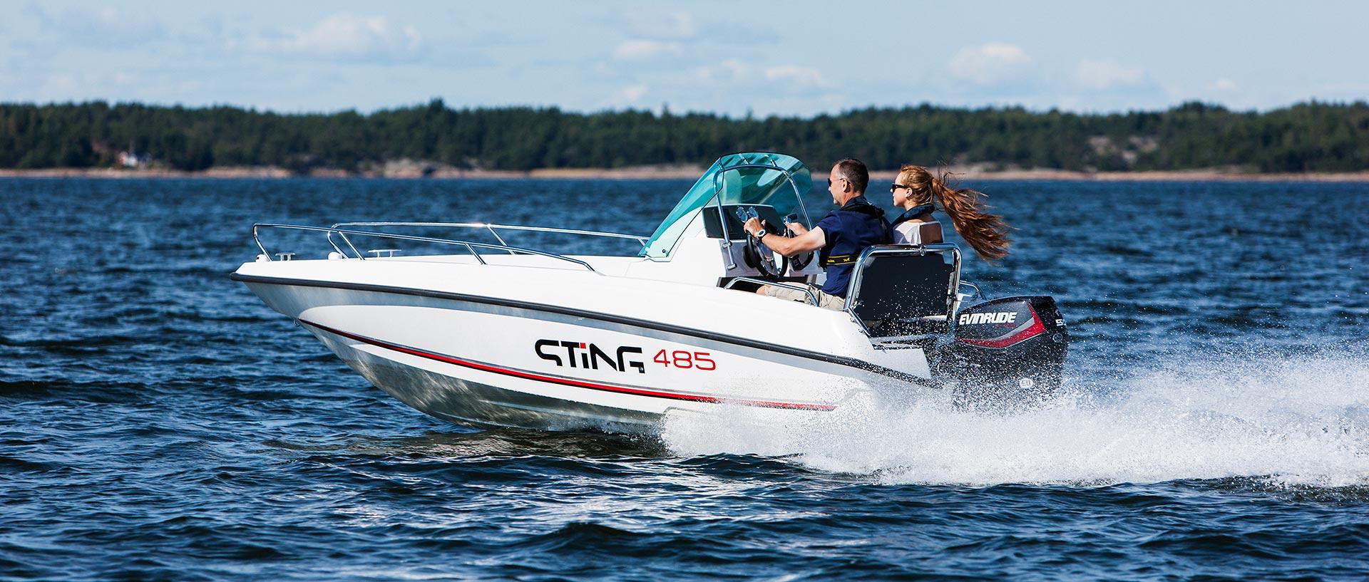 Ideální motorový člun na dovolenou na moři - STiNG 485 s lodním motorem Evinrude E-TEC E60 DPGL