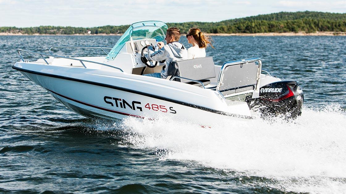 Ideální motorový člun na dovolenou na moři, STiNG 485S s lodním motorem Evinrude E-TEC E60 DPGL