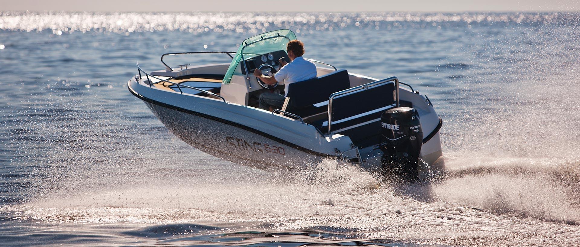 Je STiNG 530 ideální motorový člun na dovolenou?