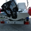 Zadní čelo (transom) člunu Adventure V-650